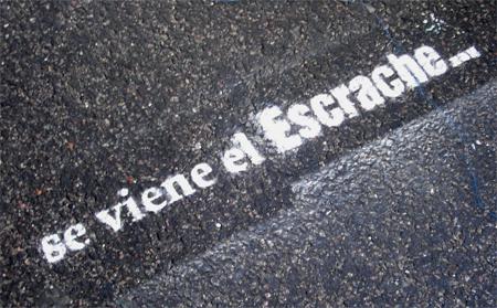 8_Cartel_3_se_viene_el_escrache.jpg