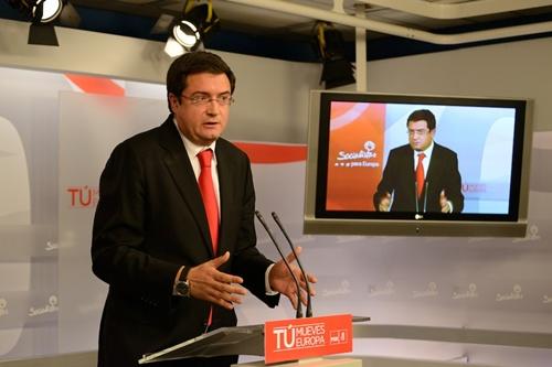 El secretario de organización del PSOE, Oscar López, ayer en Ferraz. / Álvaro Minguito