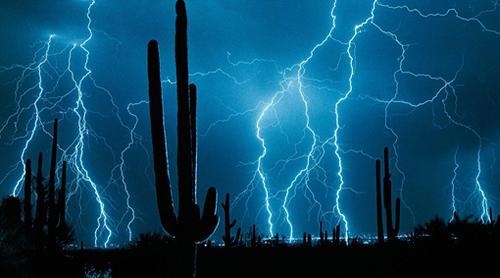 tormenta-de-rayos-en-la_puna_-_salta_y_jujuy-foto_r.a.jpg