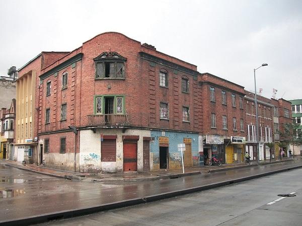 calle_24_con_av_caracas_bogota_barrio_santa_fe.jpg