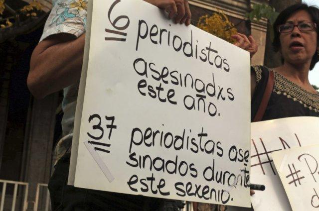 protesta_periodistas_morelos-1-e1494958318595-640x424_1_.jpg