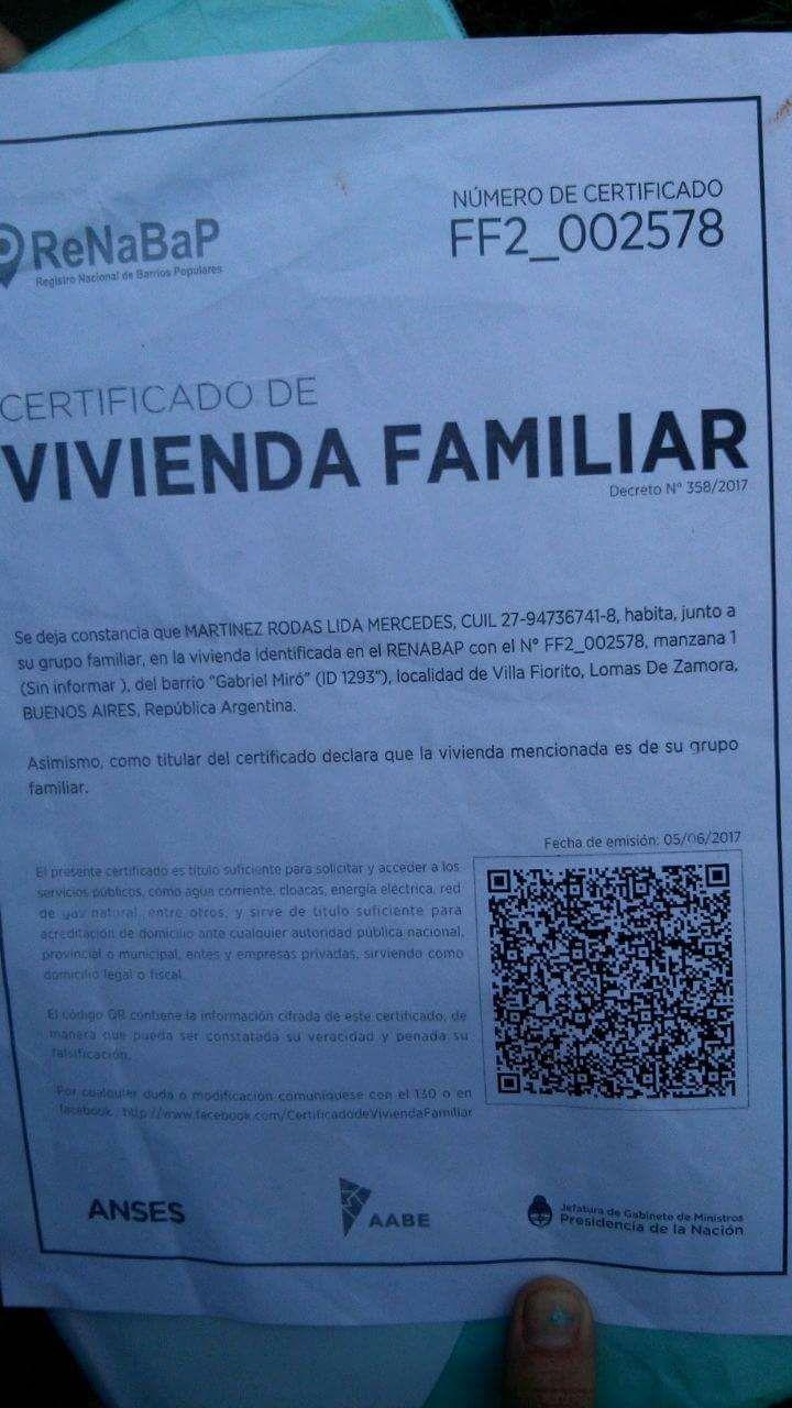 Imagen del certificado de vivienda familiar que tiene la familia
