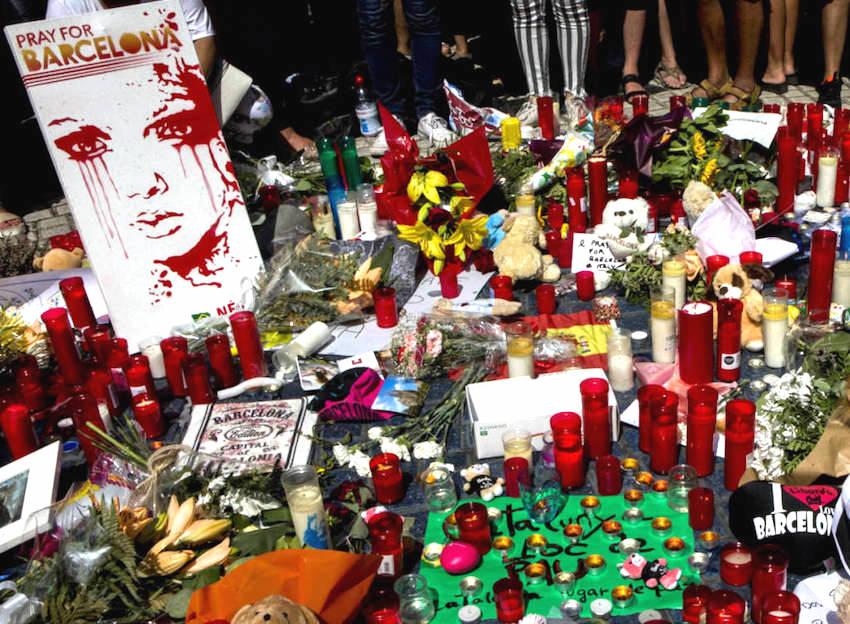 todas-las-fotos-del-atentado-en-las-ramblas-de-barcelona-y-en-cambrils_1_.jpg