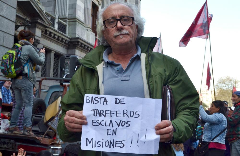 Pablo Pimentel, de la APDH La Matanza acercó su solidaridad a la lucha
