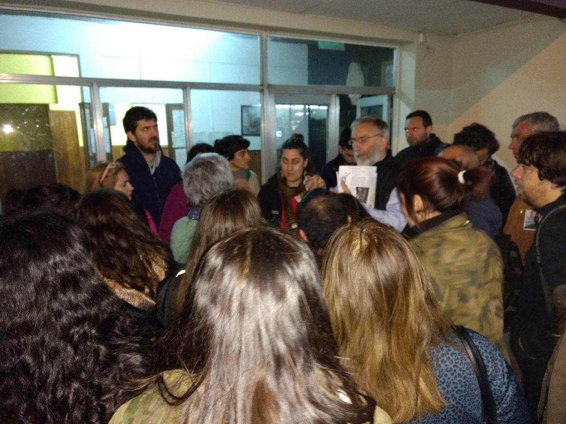 Compañerxs, estudiantes y vecinxs en la Comisaría 3°