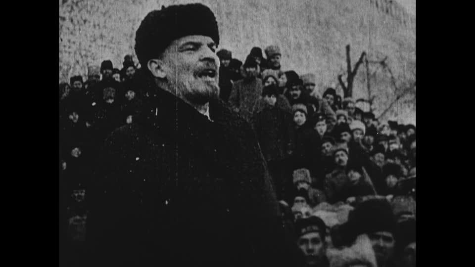 178731579-russian-civil-war-vladimir-lenin-russian-revolution-communist.jpg