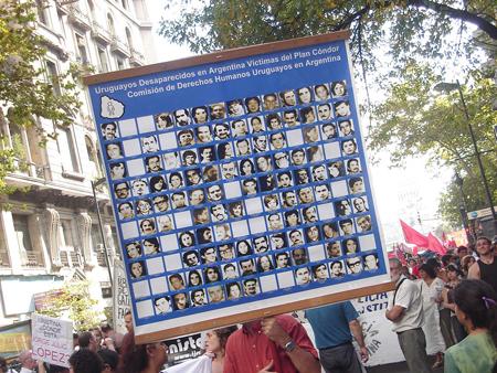 11_Cartel_7_desapaRECIDOS_uruguay.jpg
