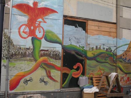 Los coloridos murales fue lo que caracterizó la primer jornada en la estación