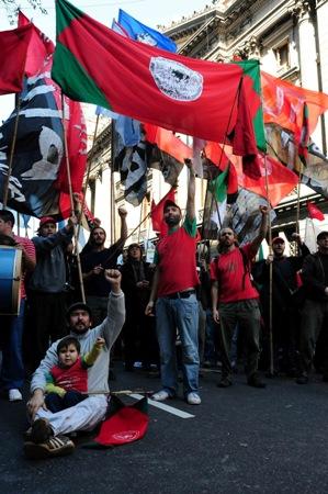 Movilizacion_al_Congreso_en_repudio_y_pedido_de_justicia_por_el_asesinato_de_Miguel_Galvan_campesino_del_Movimiento_Nacional_Campesino_Indigena_Via_Campesina.jpg