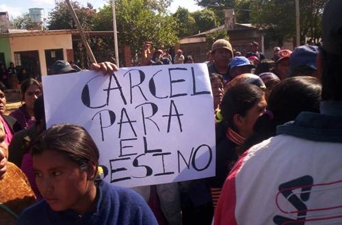 Imagen de la pueblada wichí luego del asesinato de Víctor Segundo