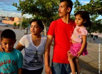 Rogelio Amaya con su familia
