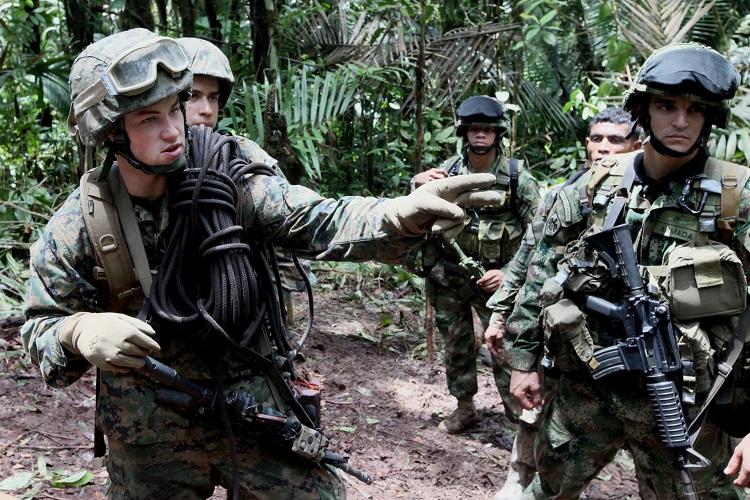 marines_colombia.jpg