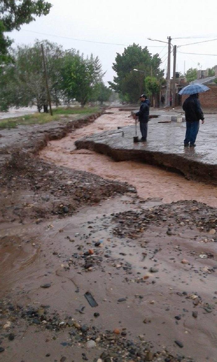 inundacion_en_neuquen_2.jpg