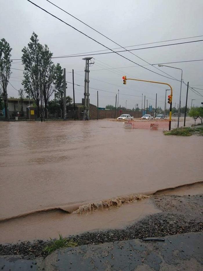 inundacion_en_neuquen_6.jpg