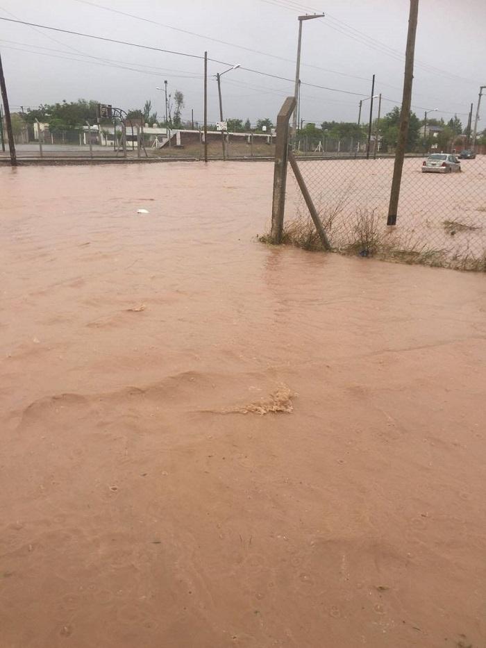 inundacion_en_neuquen_9.jpg